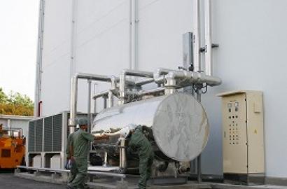 Lắp đặt hệ chiller và bọc cách nhiệt đường ống